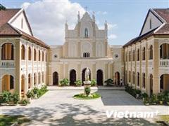 Nhà thờ Làng Sông - Bức họa tuyệt đẹp giữa đất trời Bình Định