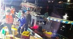 Cứu kịp thời 6 người trên tàu cá gặp nạn trên biển