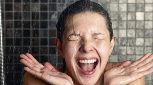 Lợi ích tuyệt vời khi tắm nước lạnh