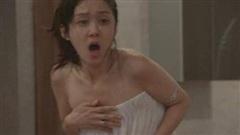 Nửa đêm vừa tắm xong, cô gái hoảng hốt khi phát hiện người đàn ông lạ trong phòng