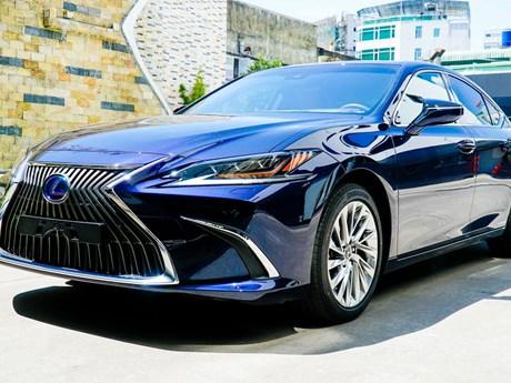 Lexus chính thức ra mắt ES phiên bản 2021 tại thị trường Việt