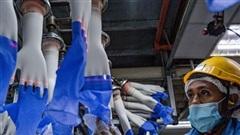 Nhà sản xuất găng tay lớn nhất thế giới trở thành tâm điểm tái bùng phát Covid-19 tại Malaysia