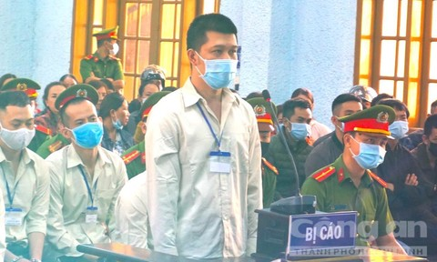 Tuyên án gã giang hồ cộm cán Hùng 'sida' và 104 bị cáo