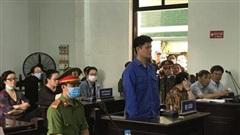 Tranh luận 'nảy lửa' tại phiên xử bác sỹ bị tố hiếp dâm, luật sư đề nghị trả hồ sơ điều tra lại vụ án