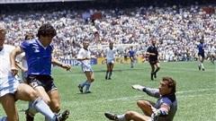 Phát lại 'Bàn thắng thế kỷ' của Diego Maradona