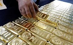 Giá vàng rơi thẳng đứng, tuột xa mốc 1.800 USD/ounce
