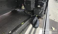 Xe tải cán nát xe máy, kéo lê cô gái tại giao lộ 'tử thần' ở Sài Gòn