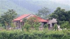 Xây trang trại trái phép bên lòng hồ thủy lợi ở Thanh Hóa