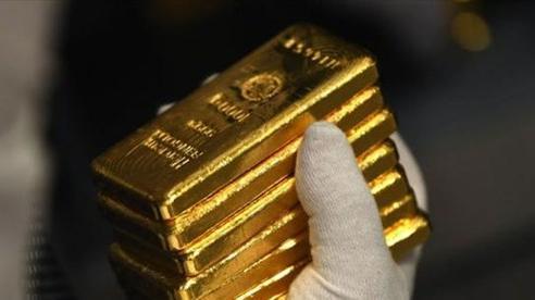 Nhà đầu tư Mỹ ồ ạt bán vàng, đổ tiền mua chứng khoán