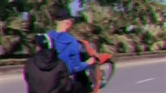Phạt 4,2 triệu đồng với nam thanh niên 'bốc đầu' xe máy, khoe trên mạng xã hội