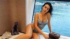 Georgina khoe nhan sắc nóng bỏng trên siêu du thuyền của Ronaldo
