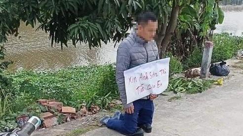 Xôn xao hình ảnh người đàn ông dùng hạ sách quỳ trước nhà 'con nợ' xin trả tiền