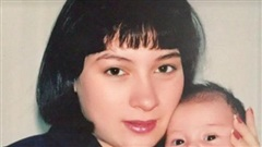 Phi Nhung bật khóc: Tôi quá cực khổ, phải tự lái xe đi sinh con một mình