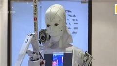 Xem người máy chăm bệnh nhân nghi nhiễm Covid-19