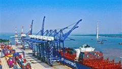 Xuất nhập khẩu tăng trưởng bất chấp Covid-19, cổ phiếu Logistic 'dậy sóng' trong năm 2020