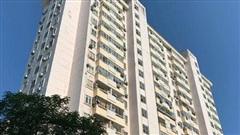 Hà Nội: Thang máy chung cư bất ngờ rơi tự do xuống mặt đất, hai người bị thương