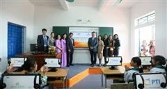 PTI hỗ trợ thiết bị công nghệ cho nhiều trường học