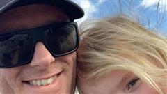 Mê xem phim 'người lớn', cặp đôi nhốt con gái 3 tuổi trong xe ô tô đến chết