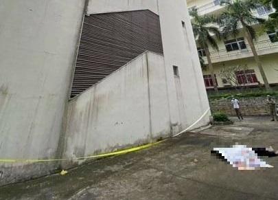 Bình Dương: Nam sinh tử vong do rơi từ sân thượng trường nghề xuống đất