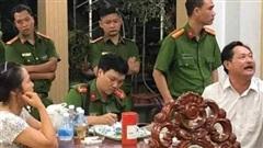 Khám xét, bắt tạm giam ông chủ biệt thự dát vàng ở Bà Rịa - Vũng Tàu