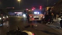 Xe máy va chạm với ô tô đầu kéo, một nam thanh niên tử vong