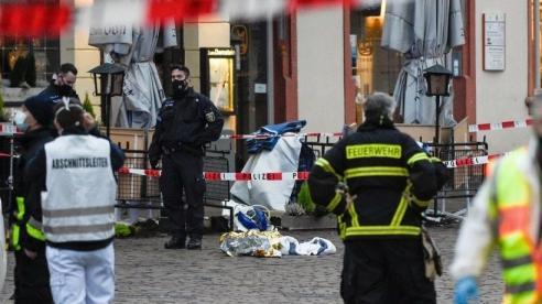 NÓNG! Đâm xe ở thành phố Trier rung chuyển nước Đức, hàng chục người thương vong