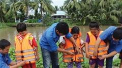 Những kỹ năng đảm bảo an toàn cho trẻ em khi tham gia giao thông đường thủy