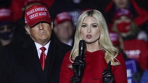 Con gái ông Trump bị thẩm vấn