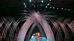 Sân khấu Tuần lễ thời trang trước giờ khai mạc