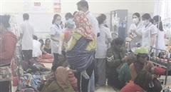 Hàng trăm người nôn ói sau khi ăn xôi từ đoàn từ thiện