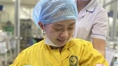 Chuyên gia 2 bệnh viện cùng làm nên kỳ tích cứu sống cả mẹ và thai nhi 30 tuần tuổi