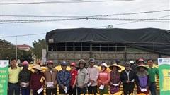 Phân bón Phú Mỹ Trao tặng 280 tấn phân hỗ trợ bà con bị thiệt hại do bão lũ