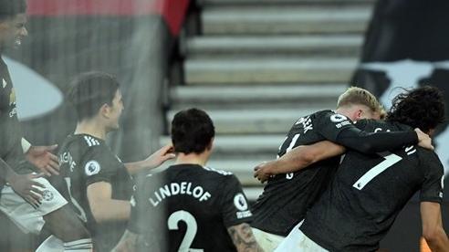 MU tiến sát kỷ lục, Perez trả giá vì bán Ronaldo