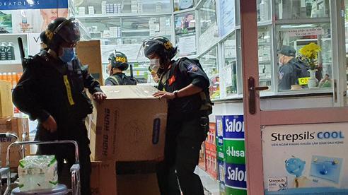Đồng Nai: Kiểm tra nhiều nhà thuốc tây, thu giữ 220 thùng 'thuốc lạ'