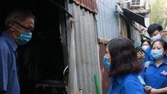 LĐLĐ TP.HCM thăm công nhân có hoàn cảnh khó khăn dịp Tết Tân Sửu 2021