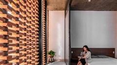 Công trình bằng gạch nung được cải tạo từ nhà kho ở Phan Thiết, đẹp lung linh trên báo Mỹ
