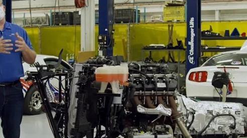Mặc dù động cơ tăng áp là xu thế nhưng Ford vẫn đang làm động cơ V8 7.3L khủng hơn nữa