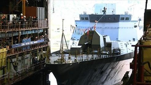 Hải quân Nga được trang bị thêm tàu chiến, khí tài