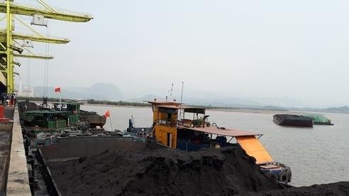 Đến hạn đóng cửa mỏ than, vẫn xin tiếp tục đào thêm để bán