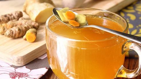 Pha trà nghệ uống để tăng cường hệ miễn dịch