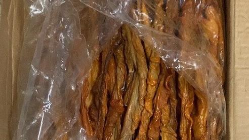 Quảng Ninh: Phát hiện 500kg lòng lợn sấy khô không rõ xuất xứ trên xe khách