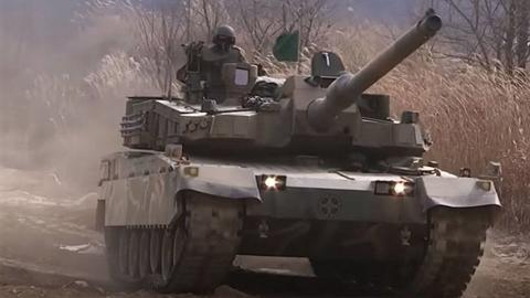 Vì sao Hàn Quốc phải cắt giảm tính năng xe tăng K2?