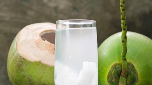 Điều bạn cần phải biết khi uống nước dừa