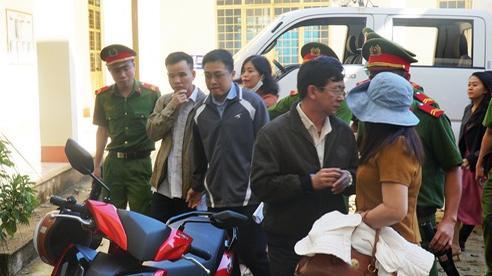 Nguyên chủ tịch huyện chối tội tham ô 524 triệu đồng xây nghĩa trang