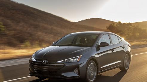Giá xe ôtô hôm nay 20/12: Hyundai Elantra dao động từ 580 - 769 triệu đồng