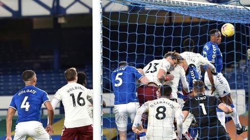 Thua Everton 1-2, Arsenal chìm sâu dưới bảng xếp hạng