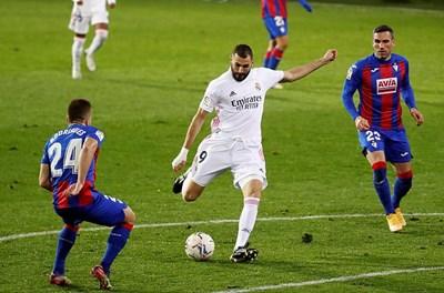 Real Madrid thắng dễ, Barca hòa thất vọng