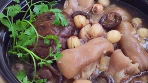 Chân giò hầm hạt sen đủ dinh dưỡng cho bữa cơm chiều