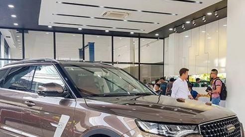 Xe Trung Quốc nhập khẩu dồn về Việt Nam