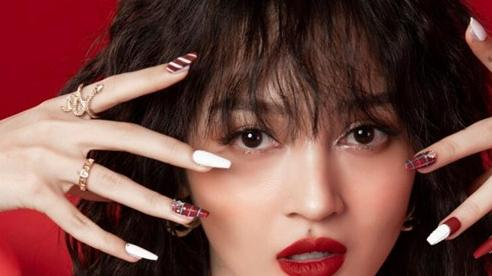 Những bộ nail lấp lánh đón giáng sinh của hội mỹ nhân Việt
